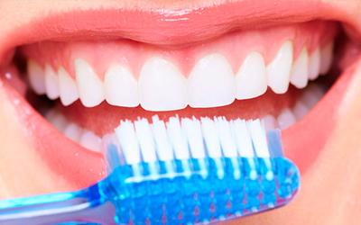Higiene Bucal: Consejos básicos desde la farmacia
